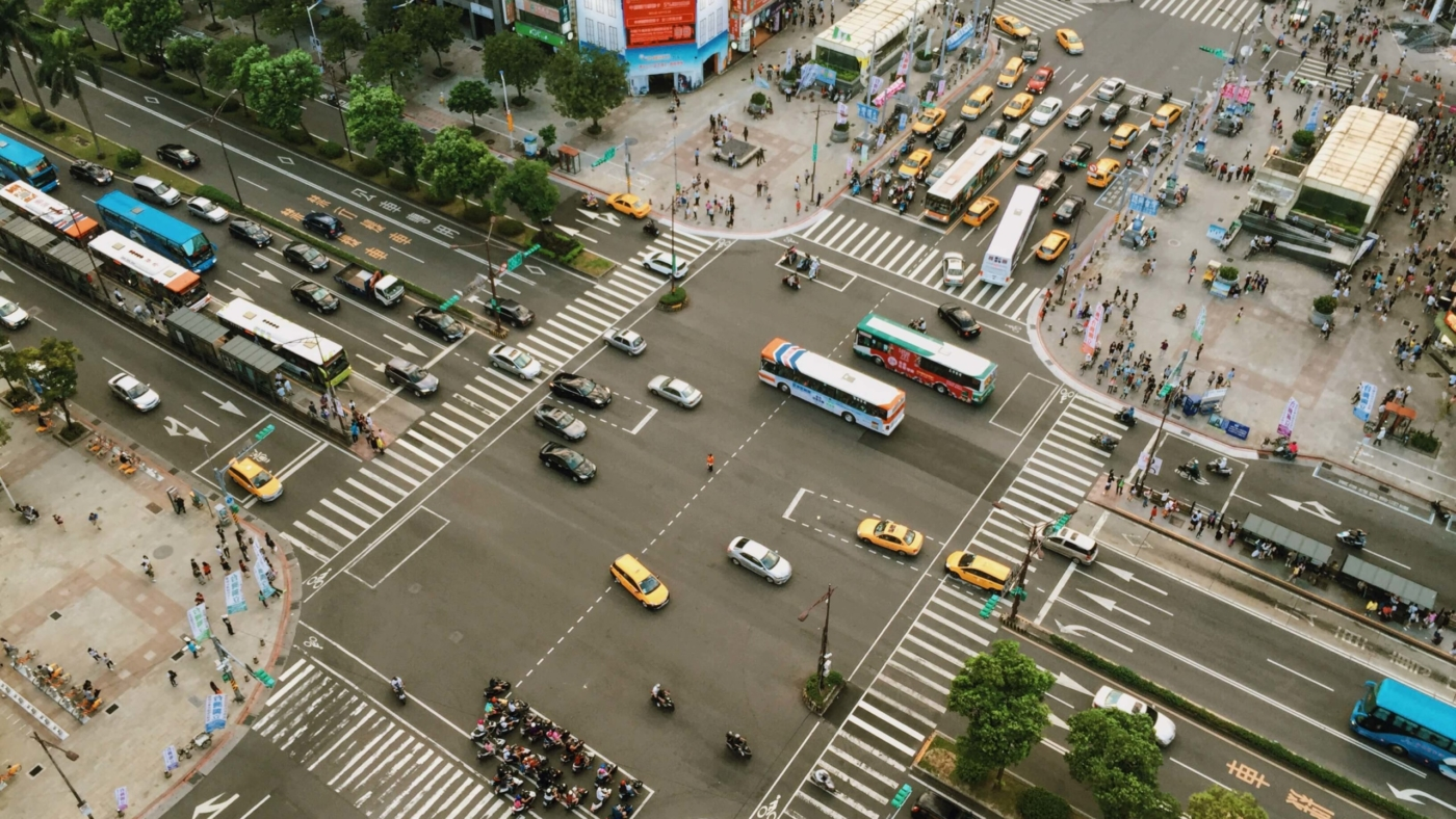 city-intersection-street-road-travel-cars-buses-traffic